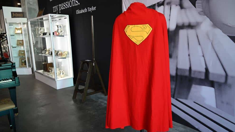 Subastan capa de Superman por casi 200.000 dolares en Hollywood